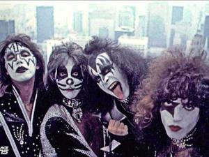 Kiss-band-1976