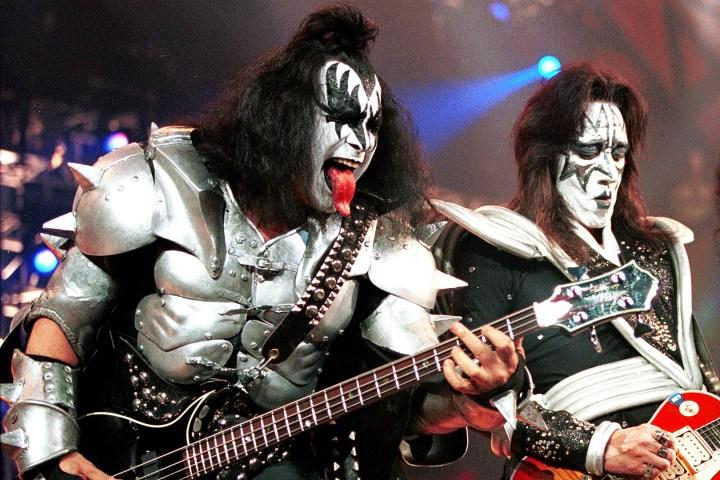 Gene-Simmons-Ace-Frehley-KISS